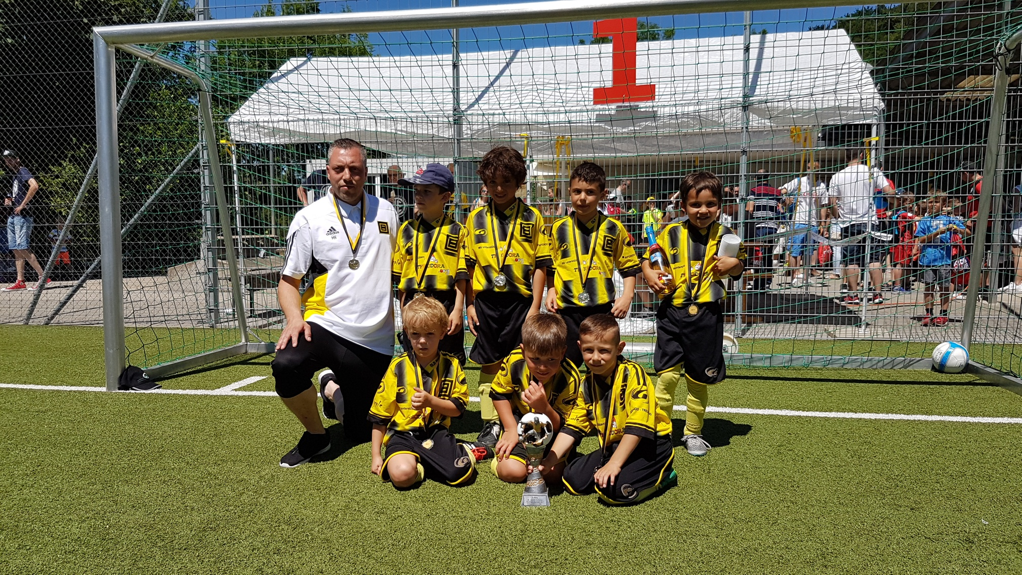 1. Platz BSC Old Boys gelb